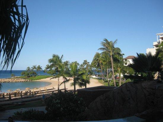 Aulani, a Disney Resort & Spa : View looking towards the beach