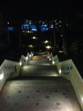 Pueblo Bonito Emerald Bay : stairs to main pool