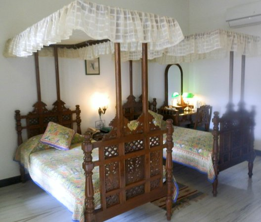 Hotel Mahendra Prakash: Twin bed room