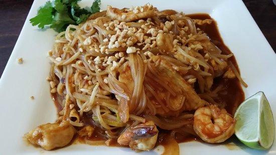 Bambu: Pad Thai