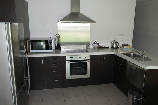 ‪أشور مارينا بارك أبارتمنتس: Kitchen of 1-br apt‬