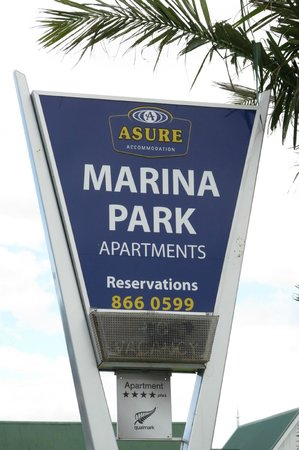 Marina Park Apartments: Sign at entrance