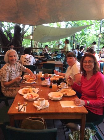 Cairns Tropical Zoo : Breakfast at the Zoo