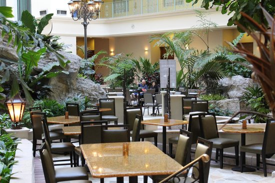 Embassy Suites by Hilton Fort Lauderdale 17th Street: Lobby