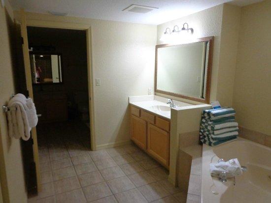 Wyndham Palm-Aire: banheiro suite principal