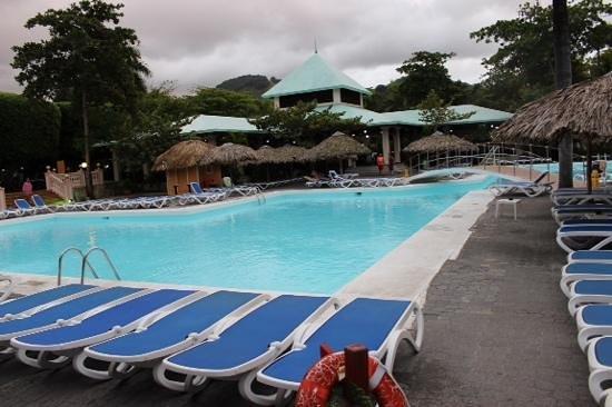 ClubHotel Riu Merengue: pool at village