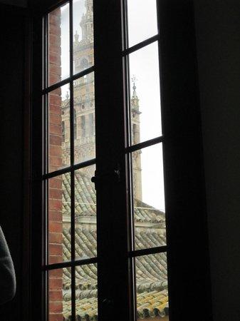Grand Luxe Hostel: Vistas desde la ventada de la habitación