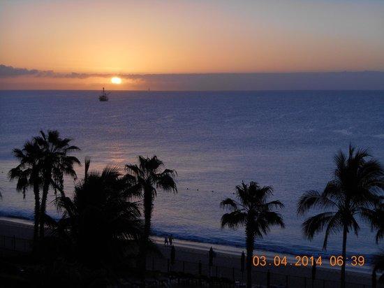 Villa del Arco Beach Resort & Spa: Cabo sunrise