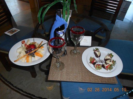 Villa del Arco Beach Resort & Spa: Anniversary surprise!
