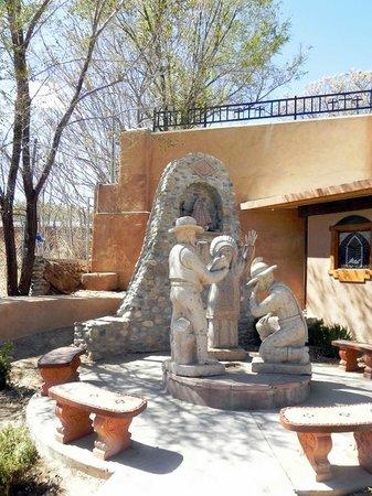 El Santuario de Chimayo: Statuary