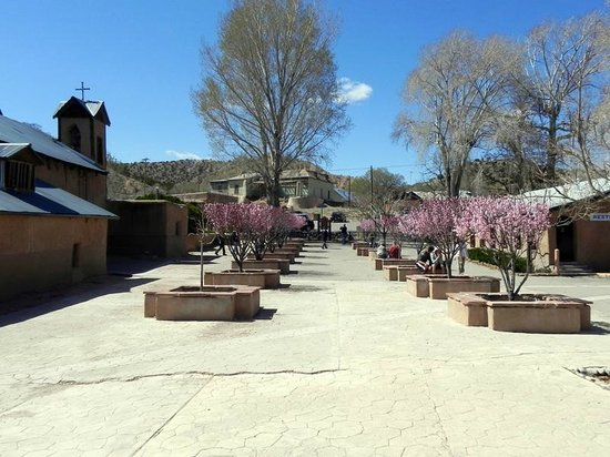 El Santuario de Chimayo : Courtyard by the Church