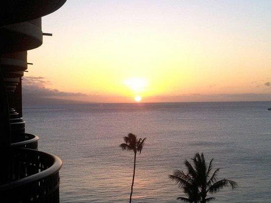 Royal Lahaina Resort: Sunset from 1012