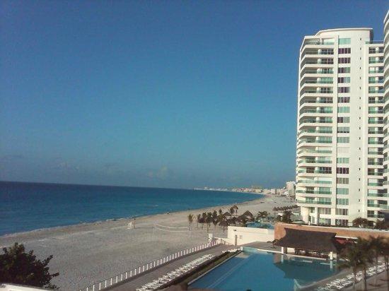 Girasol Condo Hotel : vista desde el balcon de la habitacion