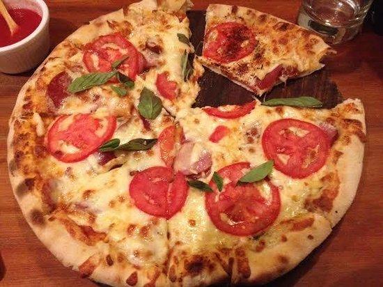La Bodega 138 : My pizza