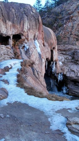 Soda Dam : Falls area- with snow on the ground