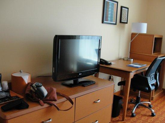 Fairfield Inn & Suites Tulsa Downtown: Quarto