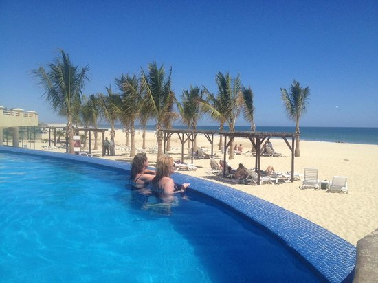 Barceló Gran Faro Los Cabos: Infinity Pool…. great view of the ocean!