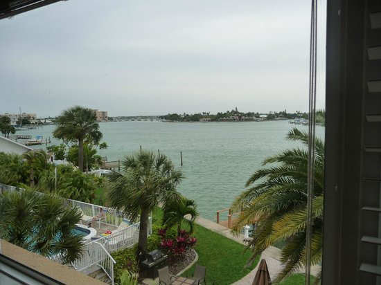 Westwinds Waterfront Resort: Bay View from Condo