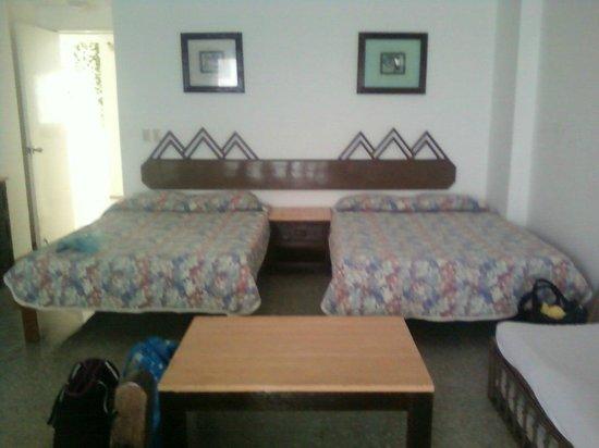 Girasol Condo Hotel : habitacion
