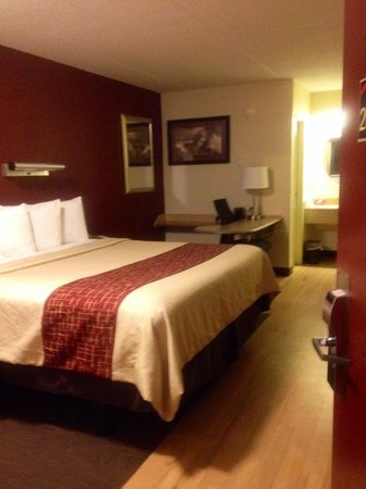 Red Roof Inn Louisville Airport: Room #206