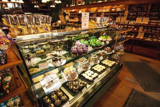 Mariposa Market Stores: Near endless array of goodies