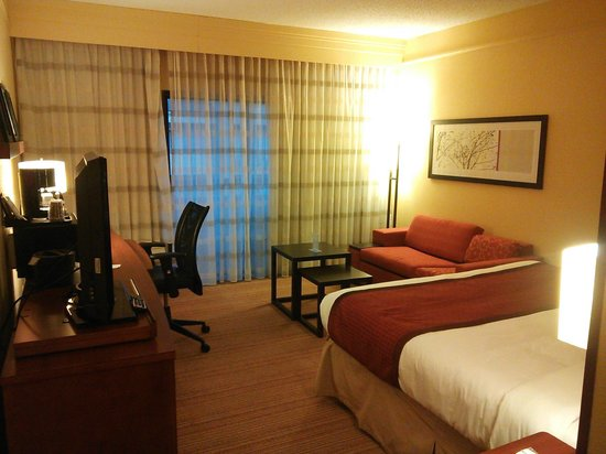 Country Inn & Suites By Carlson, Dallas-Love Field (Medical Center): ソファがイイ!