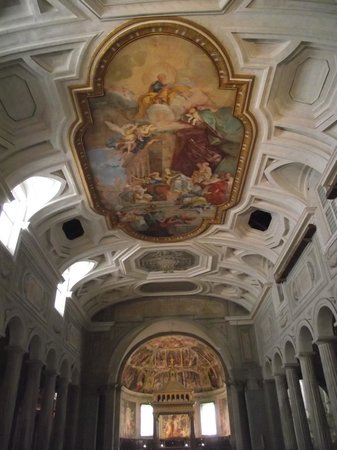 Saint-Pierre-aux-Liens (San Pietro in Vincoli) : Interior da Igreja com colunas paleocristianas