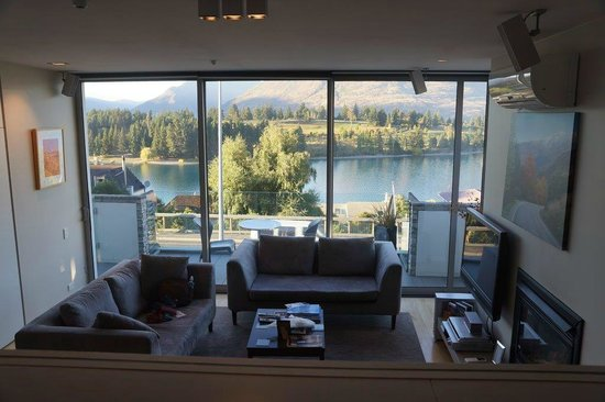 Pounamu Apartments: Lake view from room I