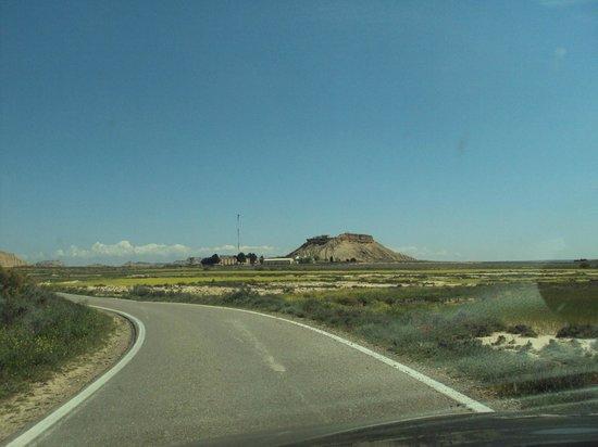Parque Natural Bardenas Reales de Navarra: Zona de la base militar en el polígono de tiro.