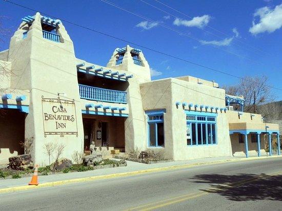 Casa Benavides Historic Inn: Front of Casa Benavides