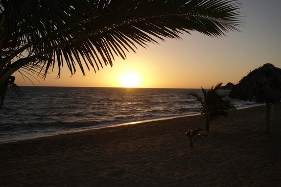 Belizean Dreams : Wake-up for the sunrises...they are worth it!