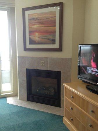 Carlsbad Seapointe Resort: Fireplace