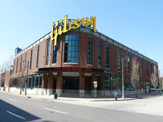 Gibson Factory: Outside the factory