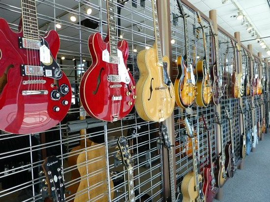 Gibson Factory: Great guitars