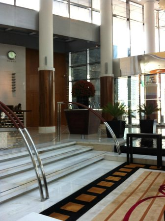 Jumeirah Emirates Towers: Lobby do hotel