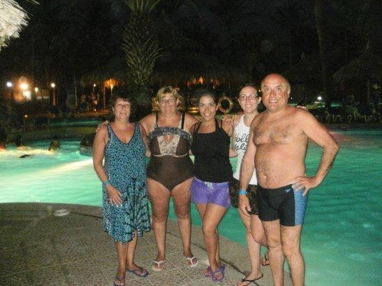 SUNSOL Isla Caribe : vista nocturna de la pileta