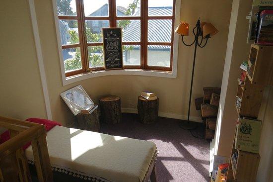 We Are Patagonia B&B: sala de lectura