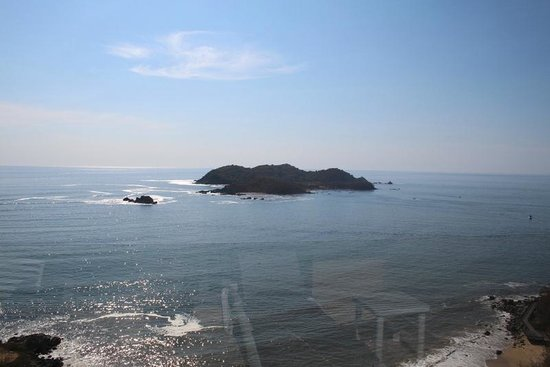 Azul Ixtapa Grand Spa & Convention Center : View of Ixtapa Island from our room