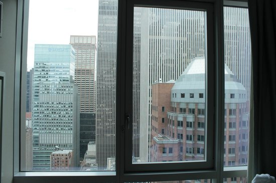 Hyatt Centric Times Square New York: Straight on view from room