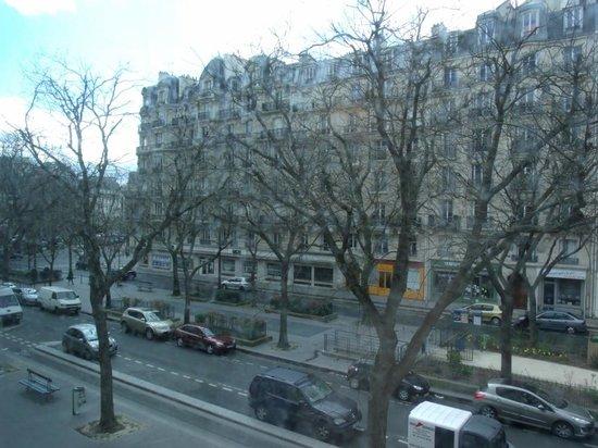 Hotel du Printemps: Street view
