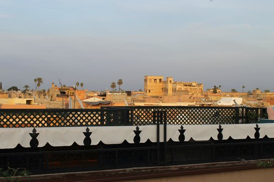 Riad L'Arabesque: View over the city from the outdoor terrace (3rd floor)