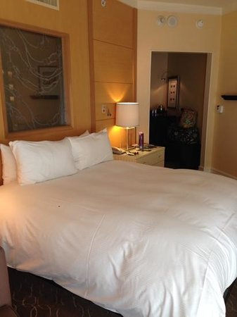 Sofitel Los Angeles at Beverly Hills: the hotel room