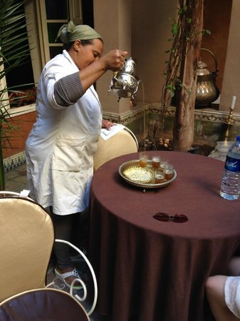 Riad L'Arabesque: Mint tea upon arrival