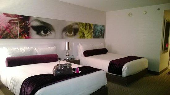 Palms Casino Resort : beds