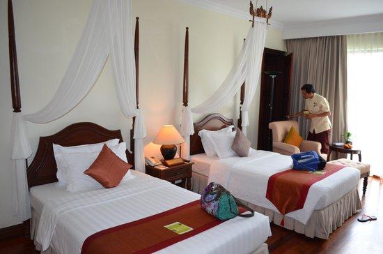 Angkor Palace Resort & Spa: Daughter's adjoining room