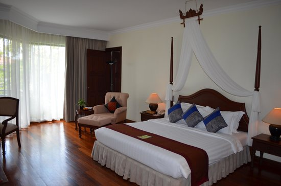 Angkor Palace Resort & Spa : Parents room adjoinging to kids