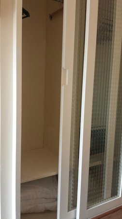 H10 Catalunya Plaza: closet