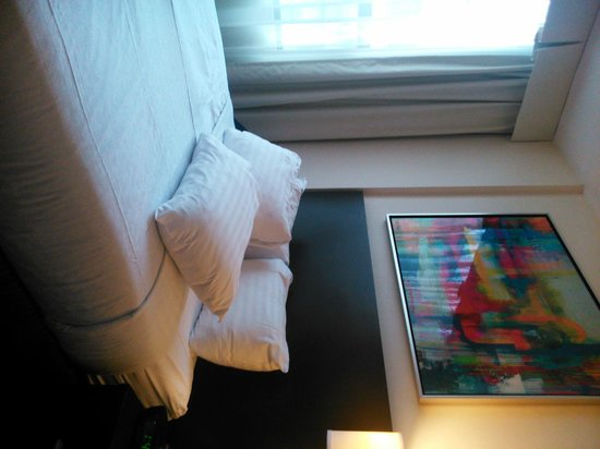 Holiday Inn Toronto Downtown Centre: Room