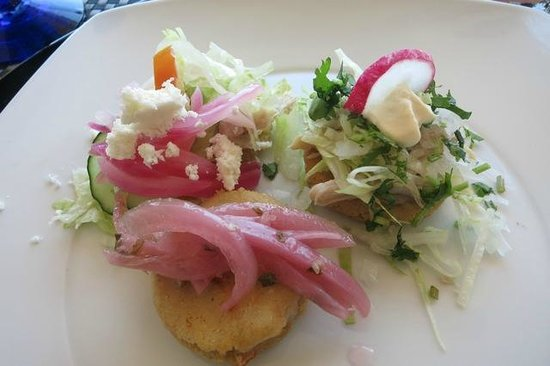 Arte Culinario by Mavi Graf : Sopes and Panuchos - delicious!