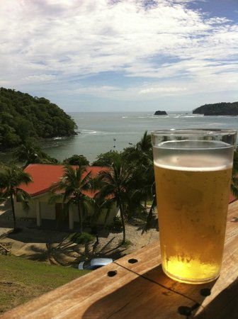 Hotel Guanamar : View from pool - cold beers!